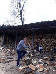 Ali chopping wood